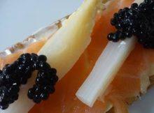 recetas navidad minitostas salmon esparragos